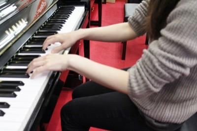 ピアノ手の形4
