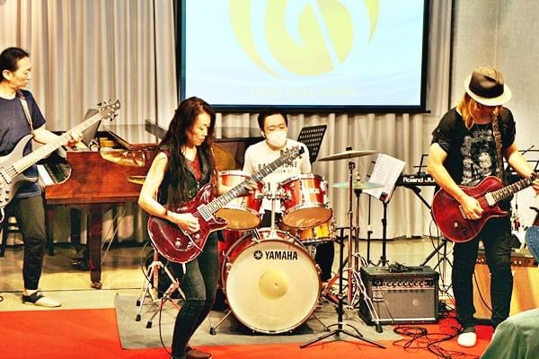バンドギター女子1